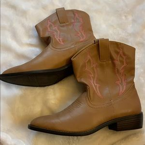 Size 8 western boots